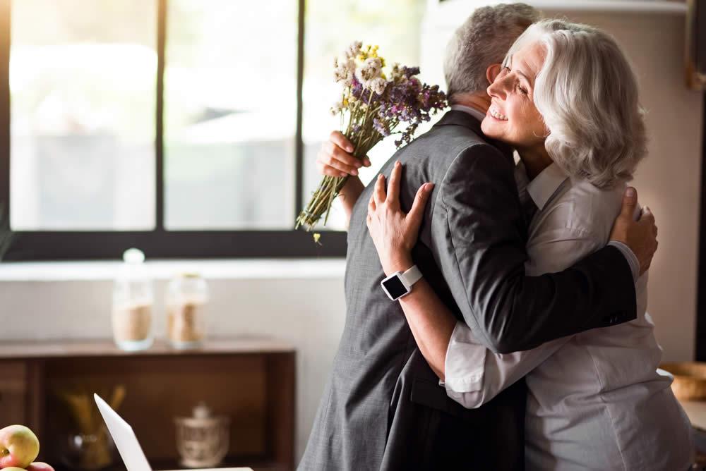 Auguri Anniversario Di Matrimonio Nonni.Anniversario 50 Anni Di Matrimonio Nozze D Oro Idee Regalo